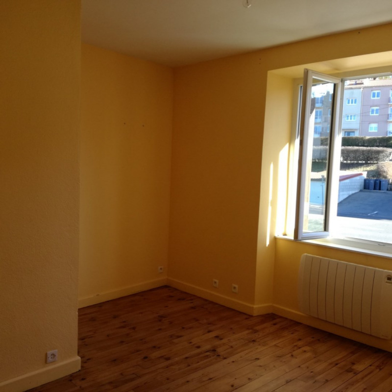 Location appartement Le monastier sur gazeille 390€ CC - Photo 4