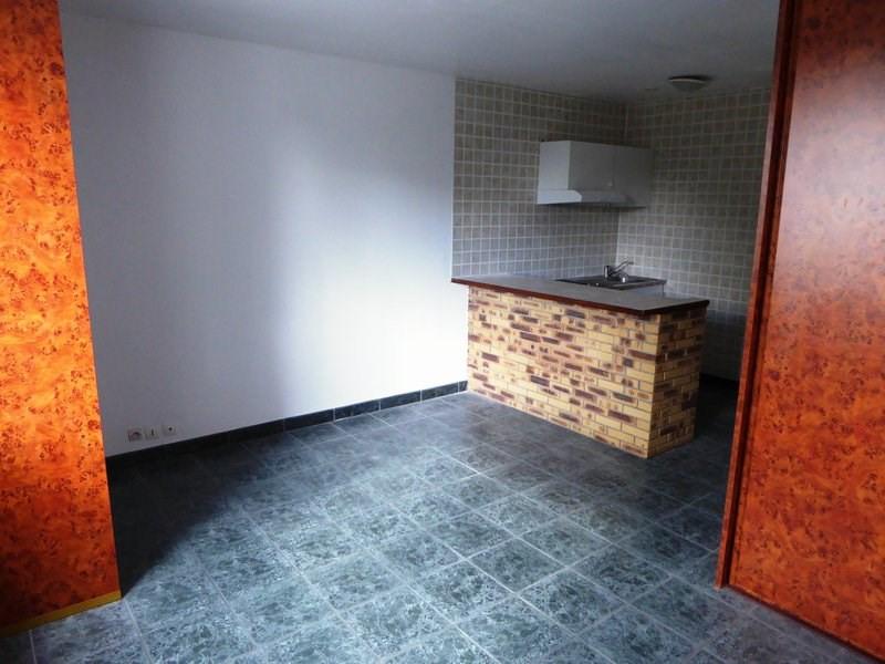 Rental apartment Vieille eglise en yvelines 600€ CC - Picture 2