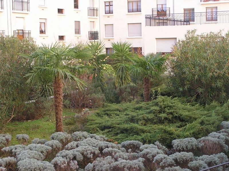 Sale apartment Nimes 242000€ - Picture 1