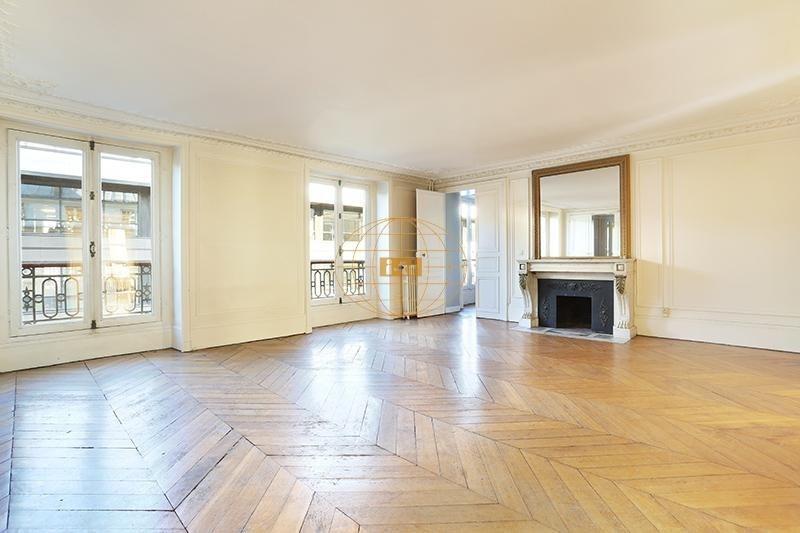 Deluxe sale apartment Paris 8ème 1800000€ - Picture 2
