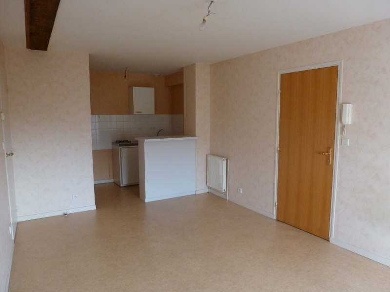 Location appartement Chatellerault 355€ CC - Photo 1