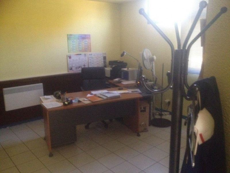 Location local commercial Castanet-tolosan 1 787€ CC - Photo 4