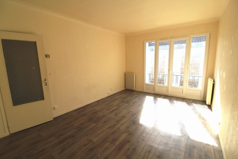 Rental apartment Maurepas 778€ CC - Picture 1