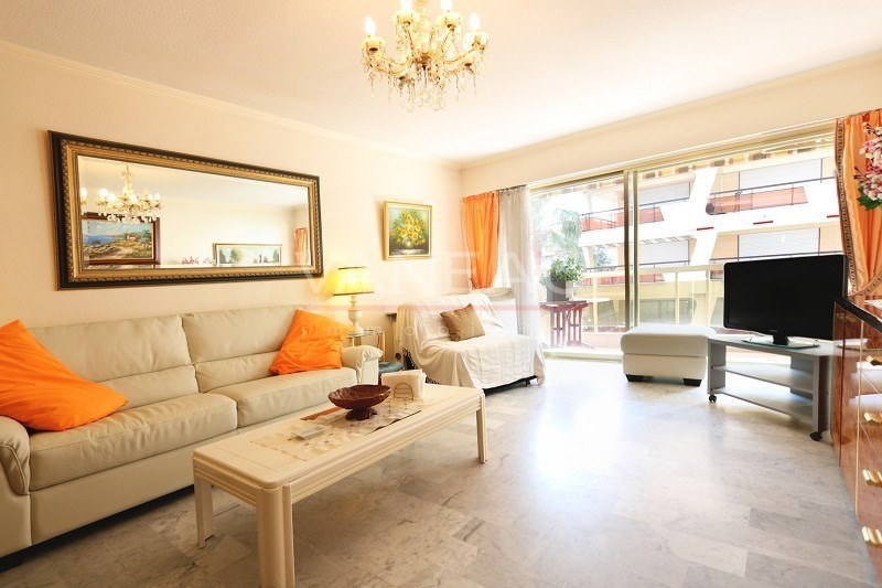 Vente de prestige appartement Juan-les-pins 195 000€ - Photo 1