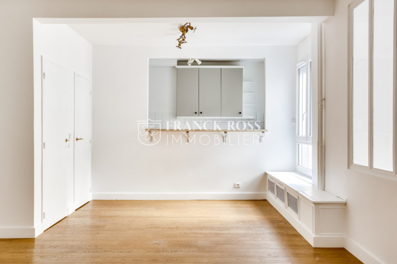Location appartement Paris 16ème 2 630€ CC - Photo 4