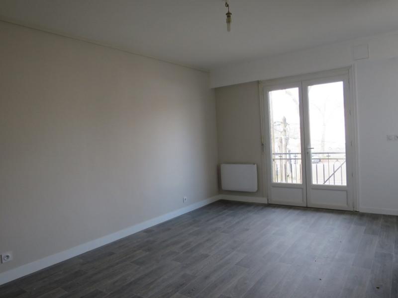 Locação apartamento Trappes 590€ CC - Fotografia 1