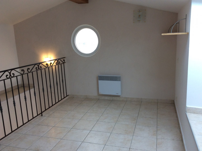 Location appartement Fréjus 995€ CC - Photo 12