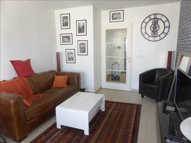 Rental apartment Segny 984€ CC - Picture 2
