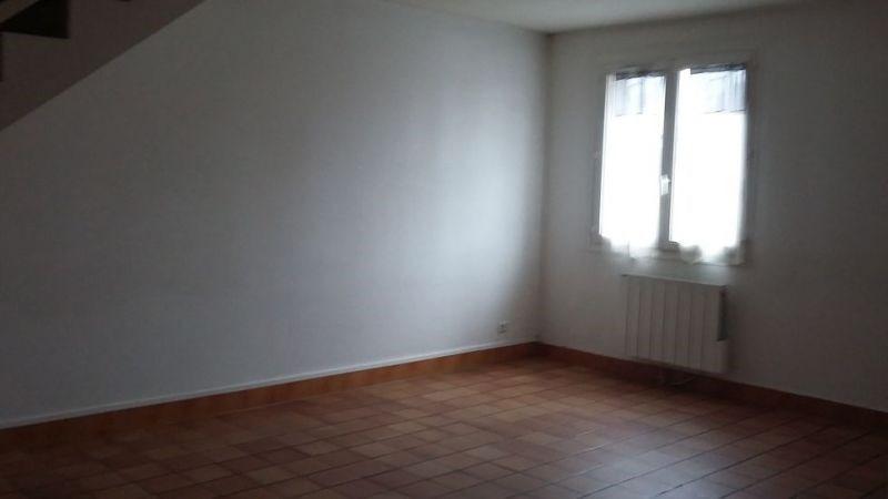 Rental apartment Ballancourt sur essonne 760€ CC - Picture 2