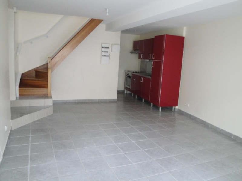 Location appartement La creche 505€ CC - Photo 1