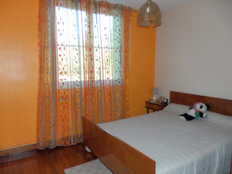 Sale house / villa Saint barthélémy d'anjou 220500€ - Picture 7