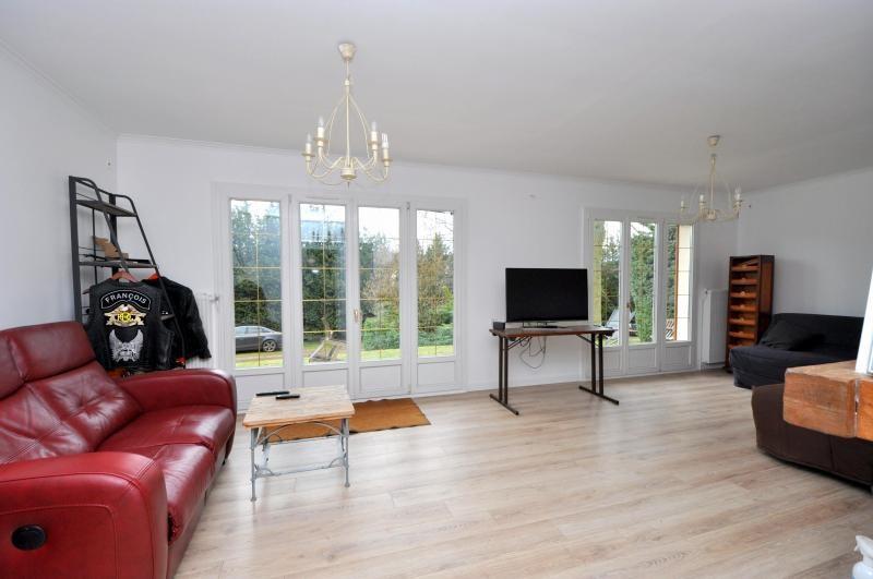 Sale house / villa St cheron 299000€ - Picture 4