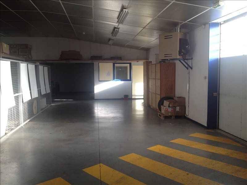 Location local commercial Cholet 3200€ HT/HC - Photo 2