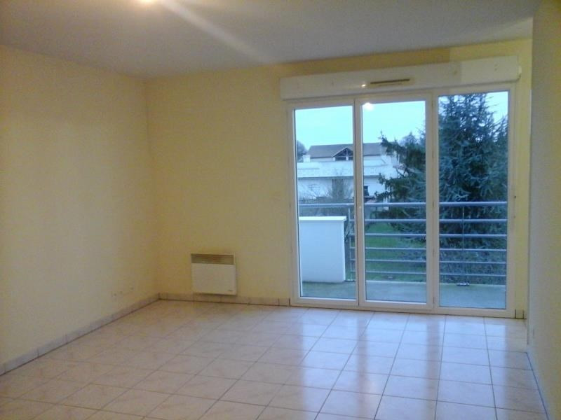 Location appartement Neuville du poitou 425€ CC - Photo 1
