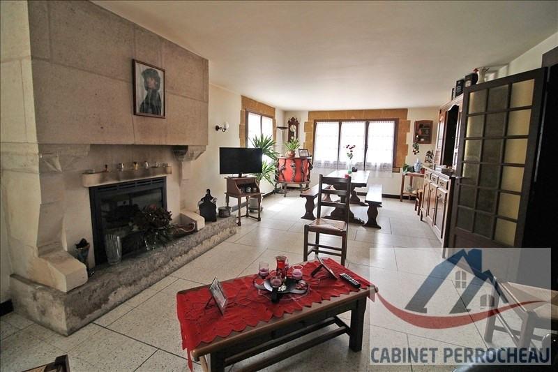 Sale house / villa La chartre sur le loir 134000€ - Picture 3