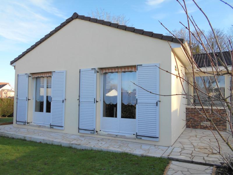 Sale house / villa Menucourt 340000€ - Picture 1