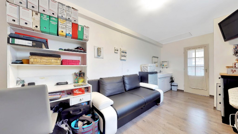 Vente maison / villa Jonage 330000€ - Photo 8