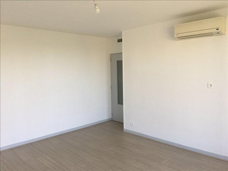 Rental apartment Pertuis 723€ CC - Picture 2