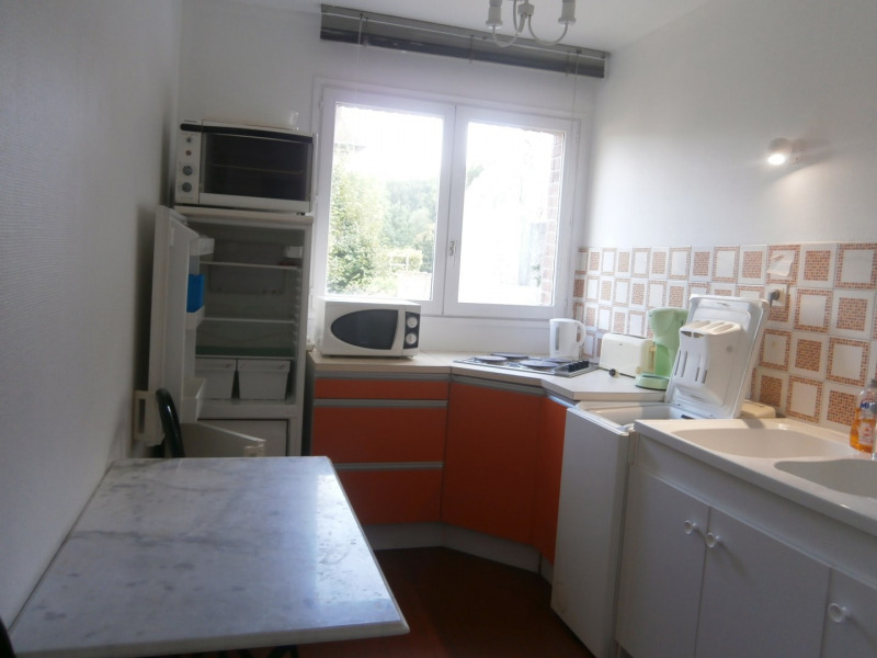 Location appartement Fontainebleau 895€ CC - Photo 3