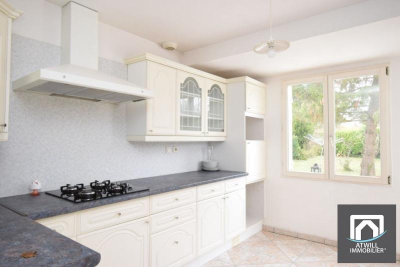 Sale house / villa La chaussee saint victor 238500€ - Picture 3