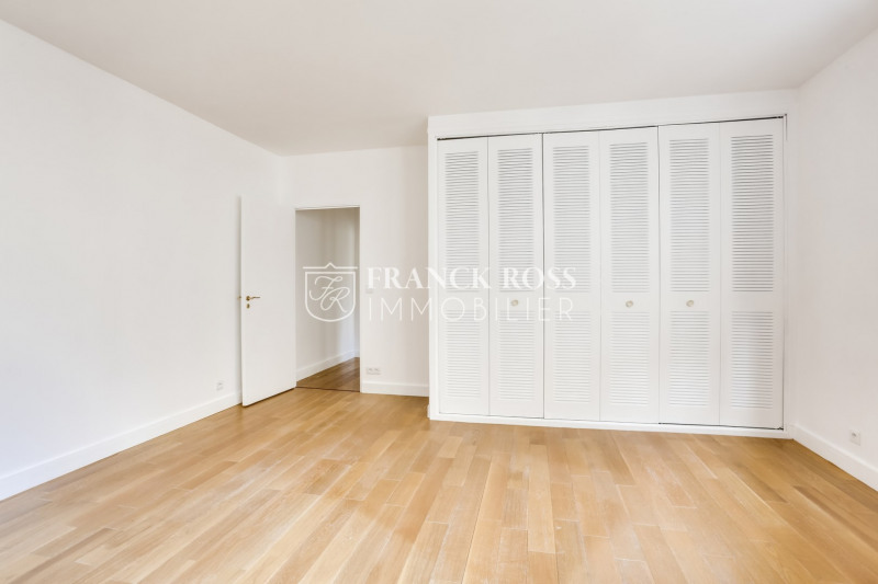 Location appartement Paris 16ème 2 630€ CC - Photo 12