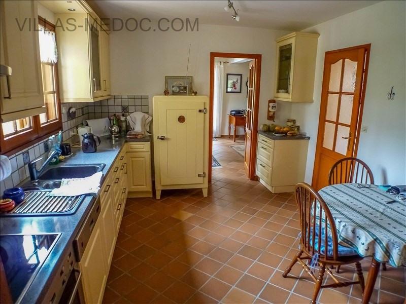 Sale house / villa Grayan et l hopital 380000€ - Picture 6
