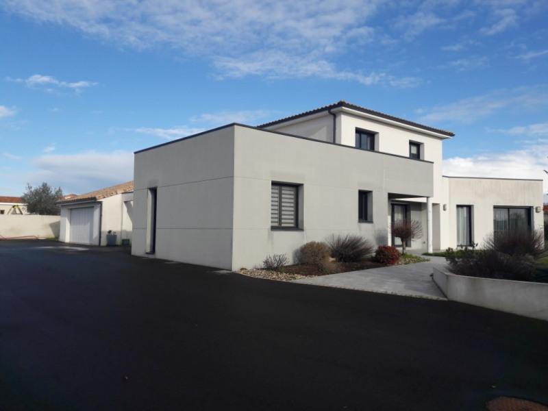 A VENDRE Maison d'architecte d'environ 206 m2 habitable