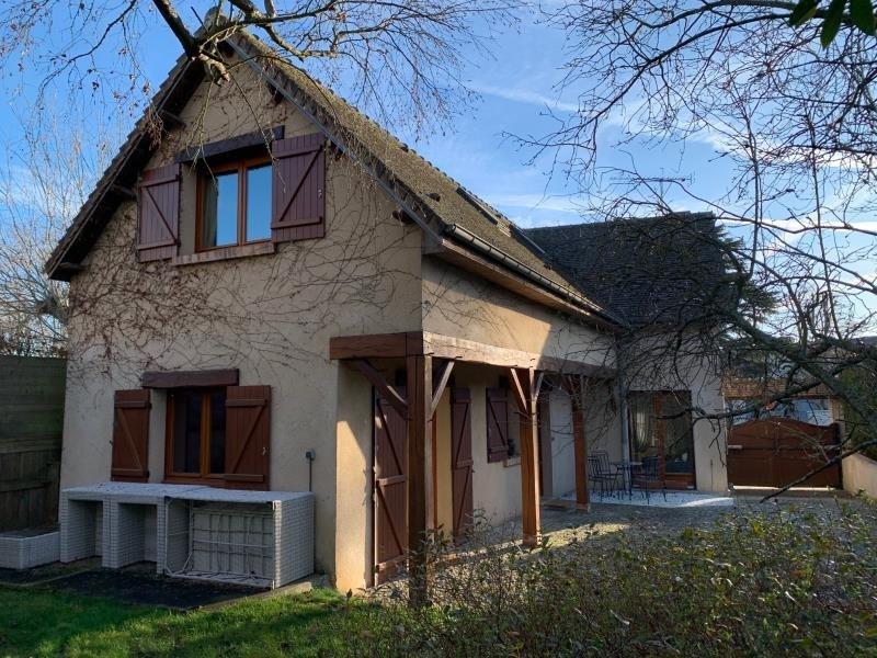 Sale house / villa Montfort l amaury 530000€ - Picture 1