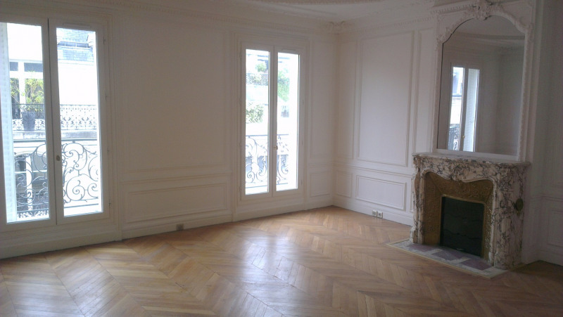 Rental apartment Paris 17ème 5 690€ CC - Picture 2