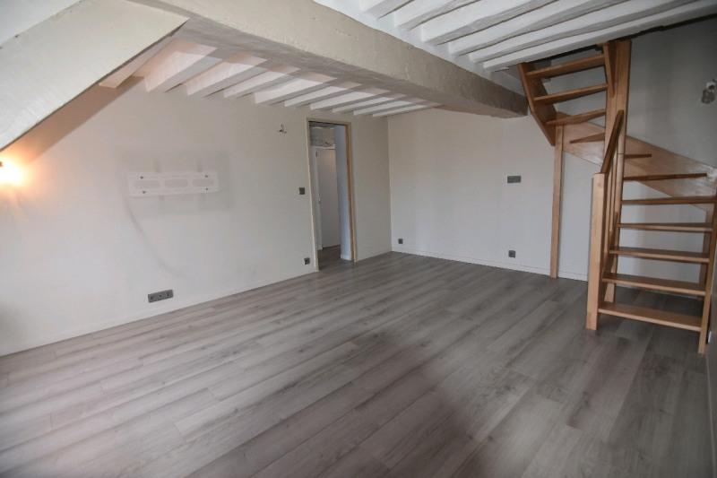 Sale apartment Chambly 144000€ - Picture 2