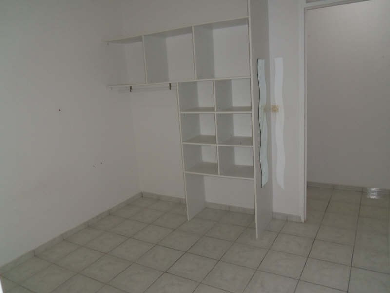 Location maison / villa St francois 750€ CC - Photo 9