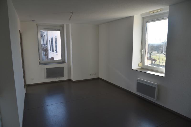 Location appartement Pont d'ain 337€ CC - Photo 1