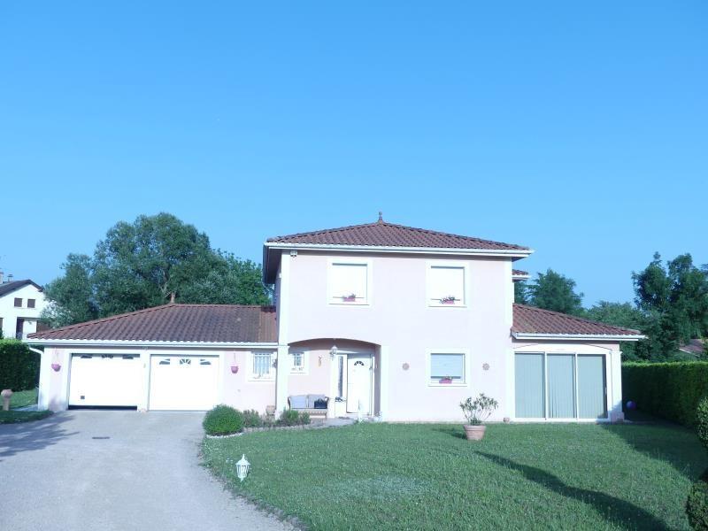 Sale house / villa Frontonas 499000€ - Picture 1
