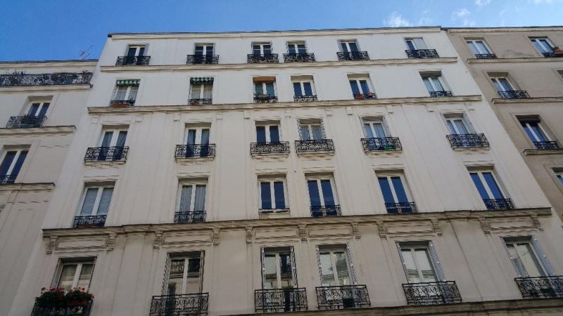 Location appartement Paris 18ème 1179€ CC - Photo 1