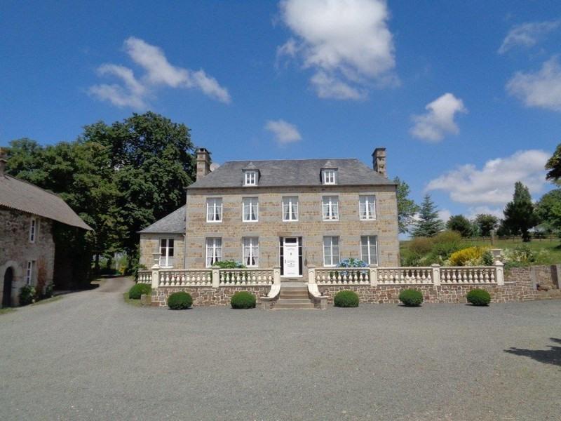 Deluxe sale house / villa Moyon 630000€ - Picture 1