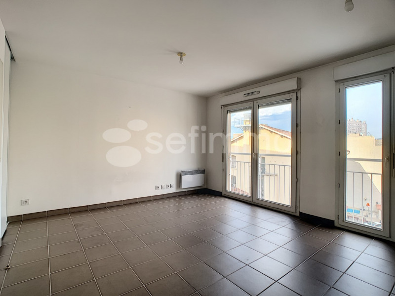 Location appartement Marseille 5ème 697€ CC - Photo 2