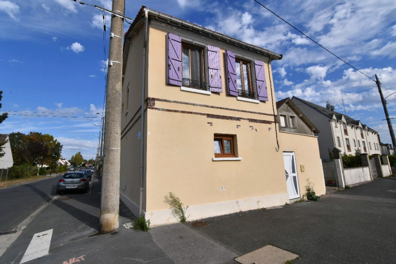 Sale house / villa Chambly 195 000€ - Picture 1