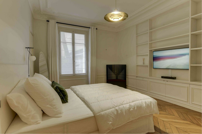 Location appartement Paris 9ème 6 500€ CC - Photo 12