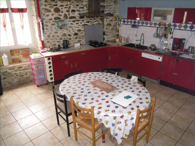 Sale house / villa Sauveterre de bearn 164 000€ - Picture 2