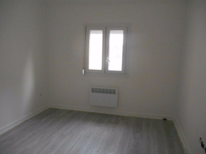 Sale apartment Crevecoeur le grand 76 000€ - Picture 2