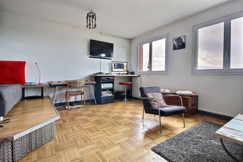 Sale apartment Paris 10ème 465 000€ - Picture 3