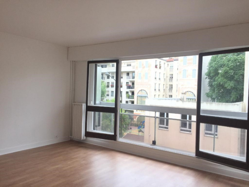 Location appartement Levallois perret 1 322€ CC - Photo 1