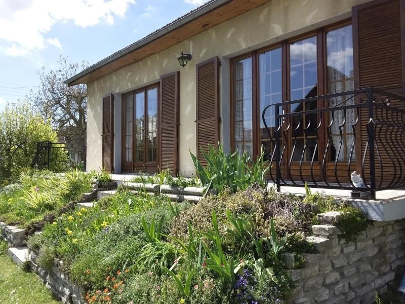 Sale house / villa Chambly 290 000€ - Picture 1