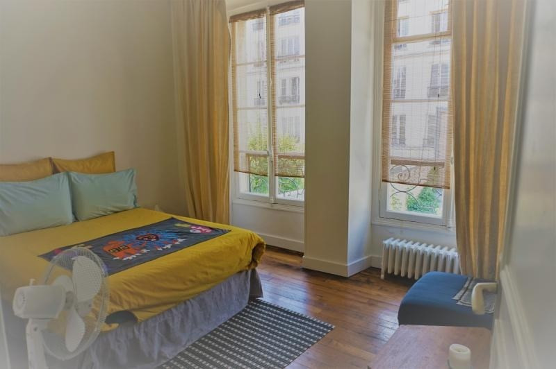 Rental apartment Paris 3ème 2 670€ CC - Picture 3