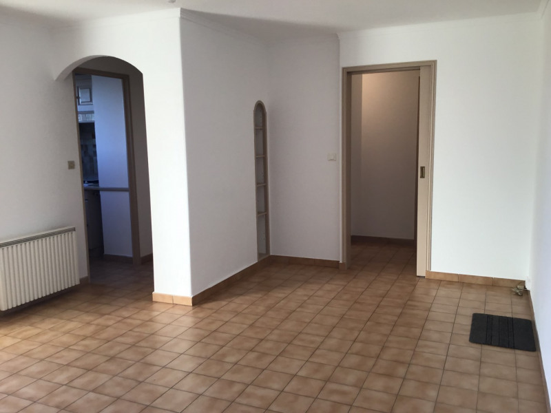 Rental apartment Fréjus 700€ CC - Picture 3