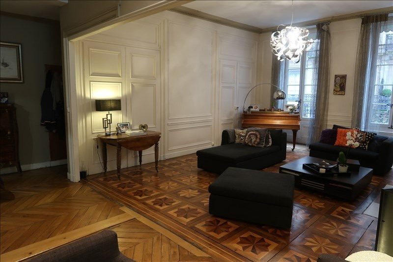 Deluxe sale apartment Lyon 6ème 949 000€ - Picture 1