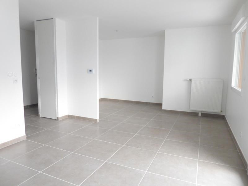 Location appartement Chevigny saint sauveur 480€ CC - Photo 4