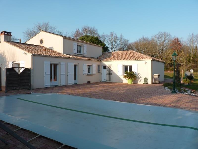 Sale house / villa St avaugourd des landes 405600€ - Picture 1