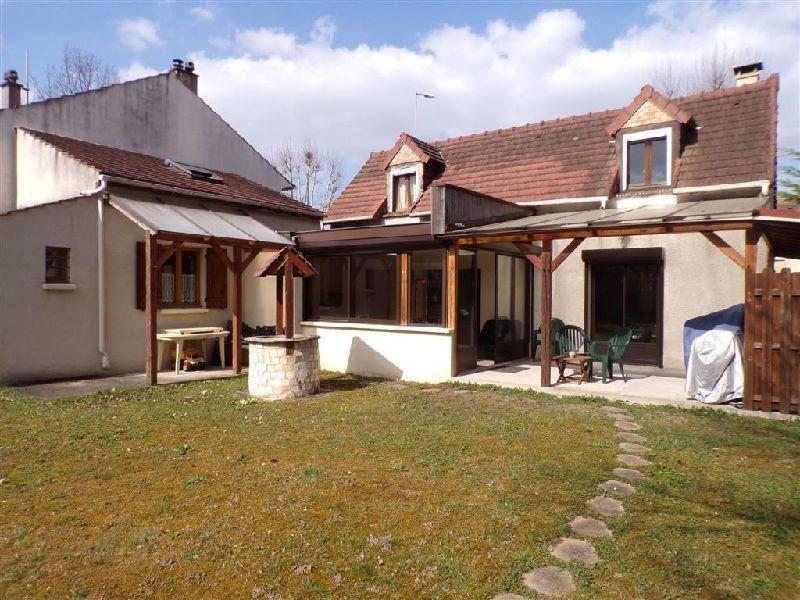 Sale house / villa Ste genevieve des bois 328600€ - Picture 1