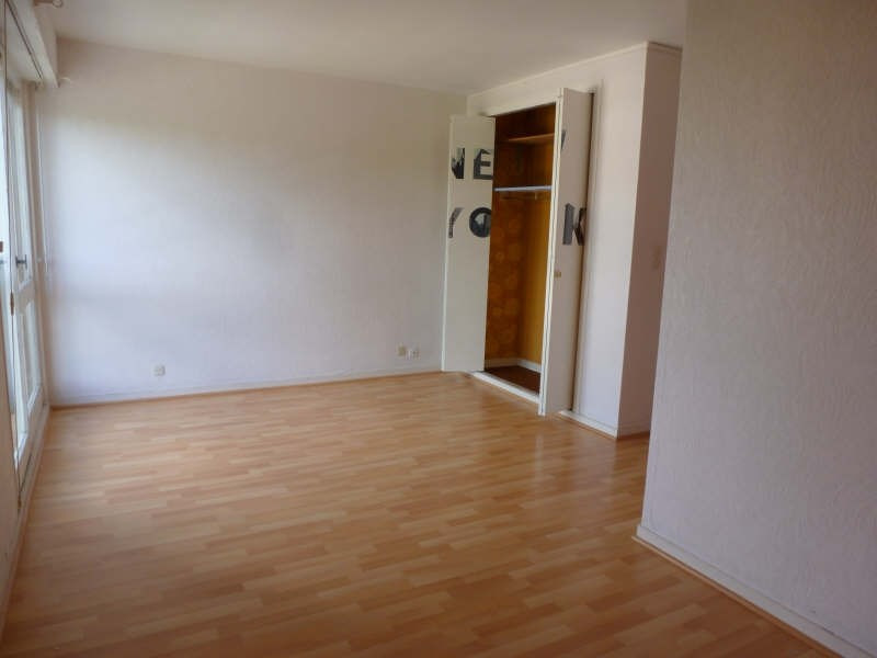 Location appartement Maurepas 633€ CC - Photo 1